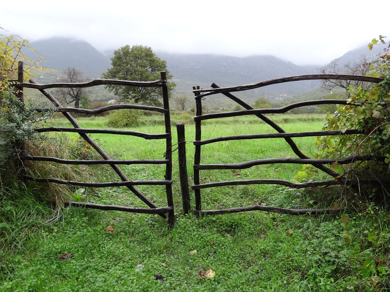 How to build wooden farm gates pdf plans